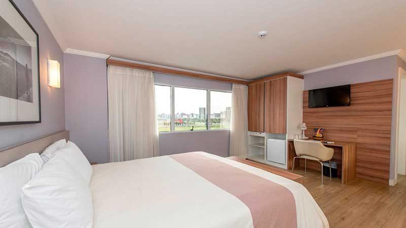 deluxe-suite-iate-hotel